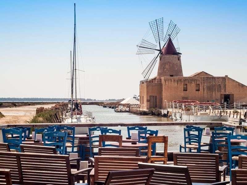 Boating in Marsala Marina