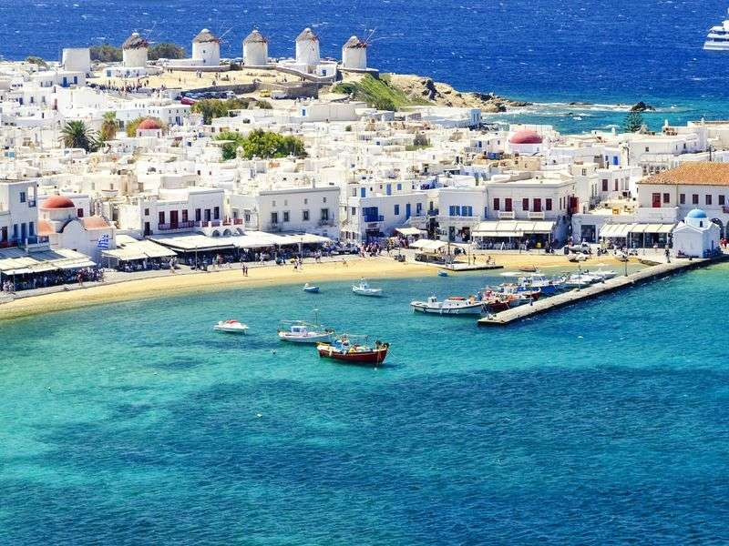Sailing in Mykonos