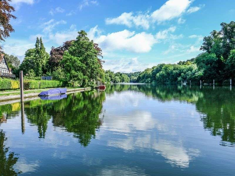 Coast of Henley on Thames
