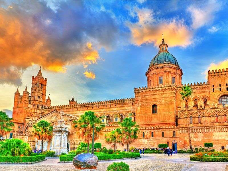 Culture sailing in Palermo