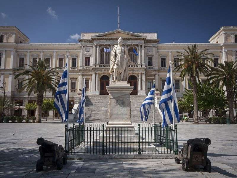 Culture sailing in Syros