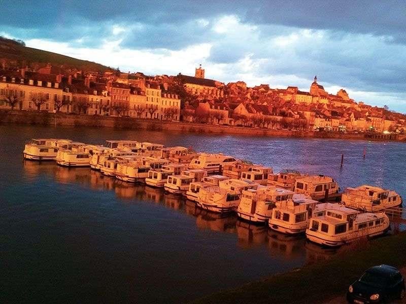 Joigny boat tours
