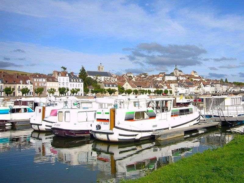 Port in Joigny