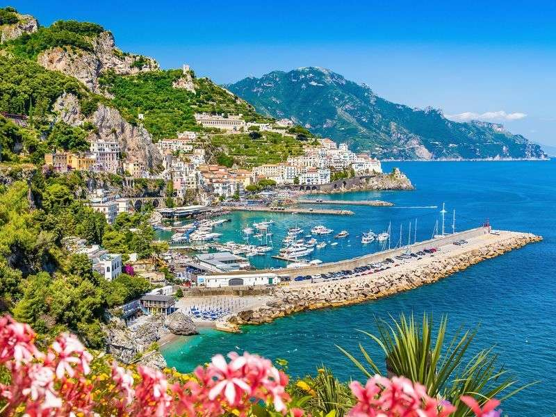 ports and islands in Amalfi Coast