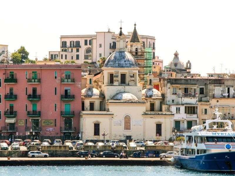 Pozzuoli boat tours