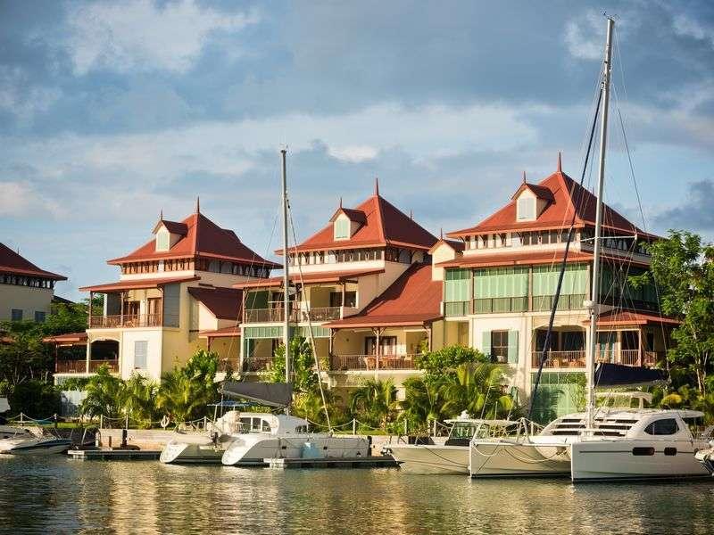 Sail in Mahé-Victoria