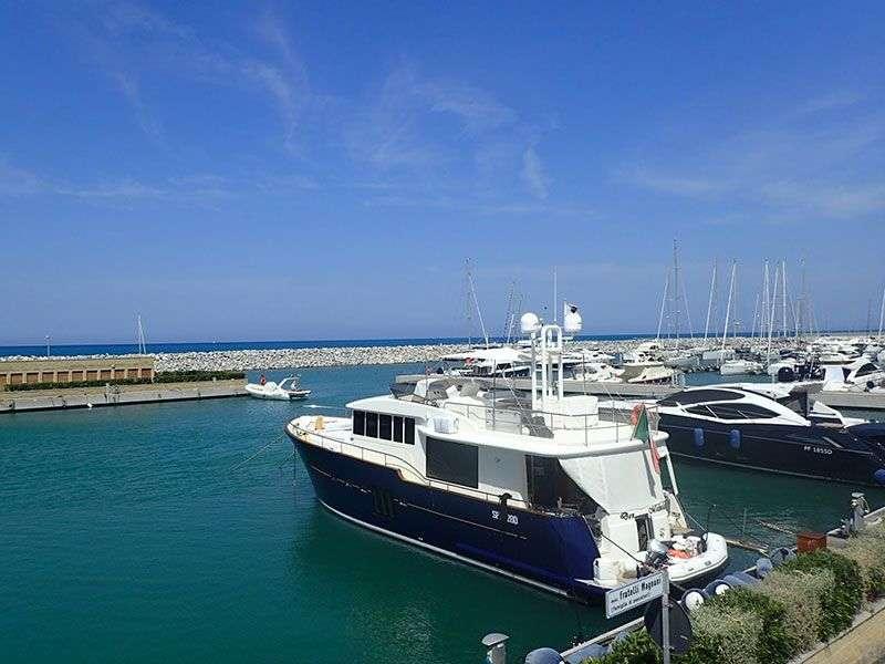 San Vincenzo boat tours