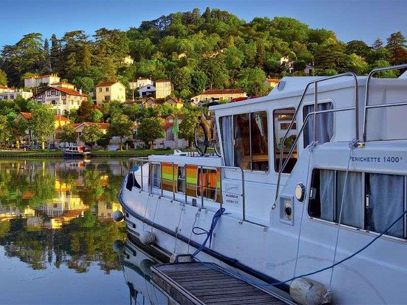 Valence sur Baise yacht week
