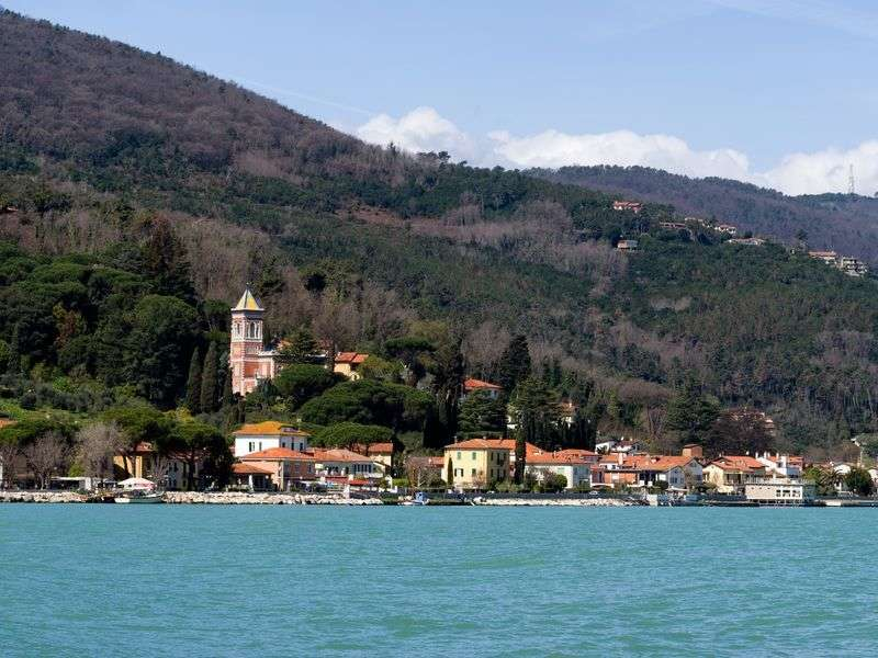 Yacht vacation in Bocca di Magra