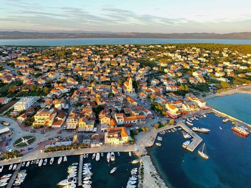 what to see in Kastel Gomilica