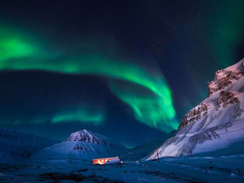 Longyearbyen sailing adventures