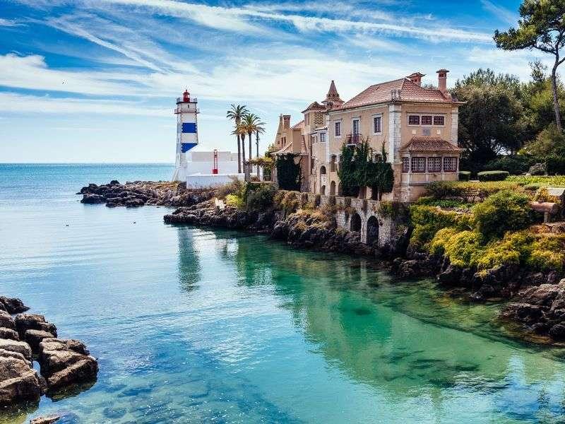Honeymoon yacht charter in Lisbon