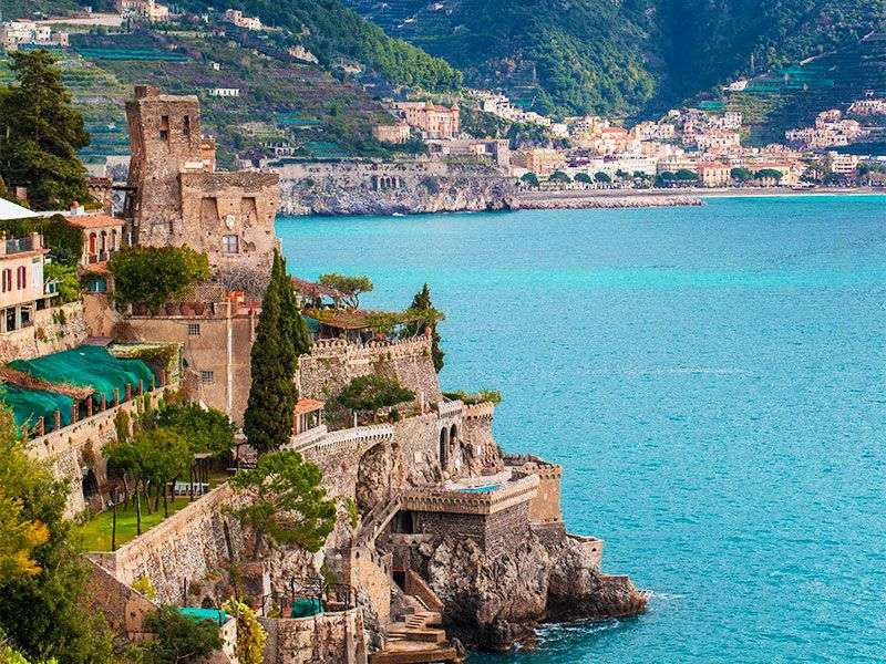 Coasts and islands in Salerno