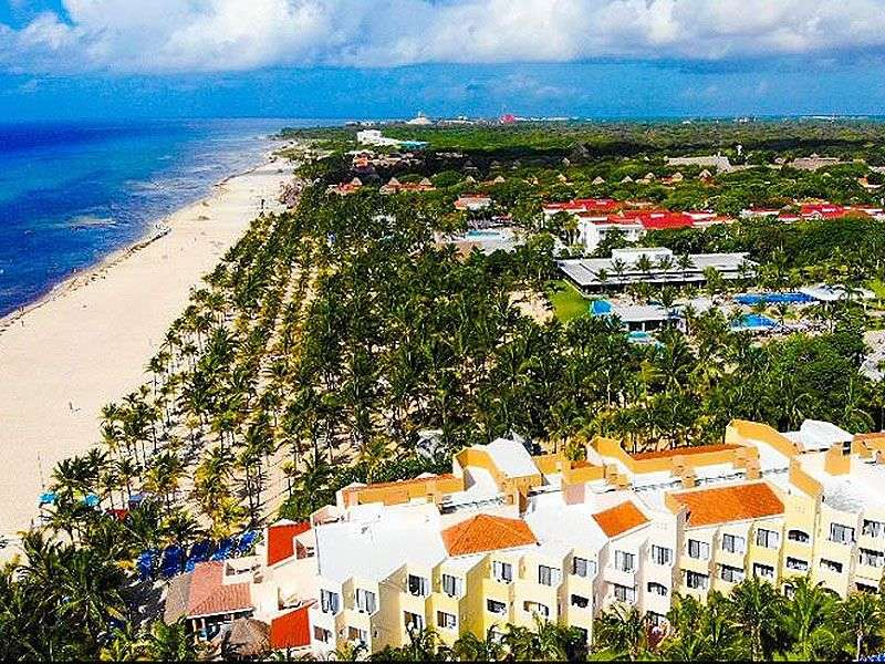 Coast Of Playa Del Carmen