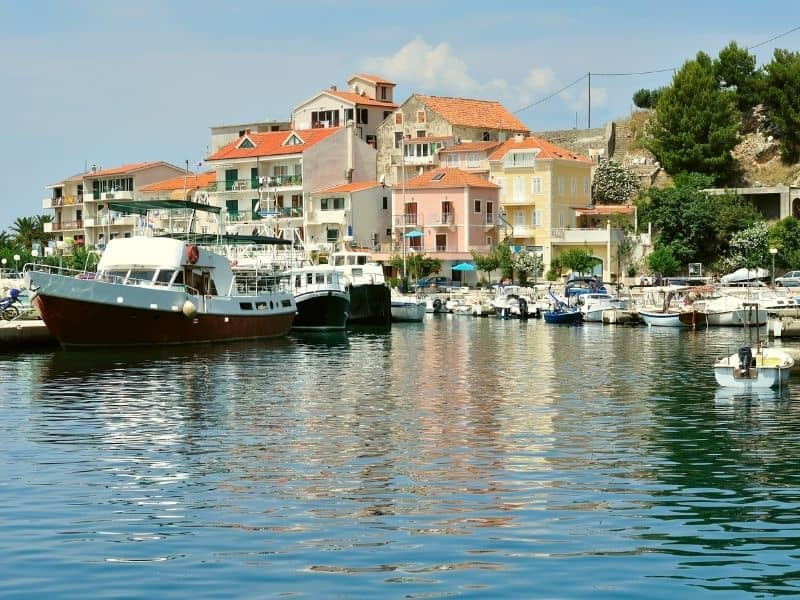 Port in Podgora