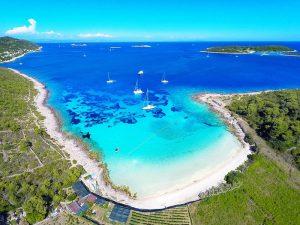 Sail in Vis island