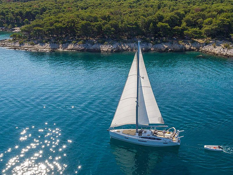 Sailing in Brac