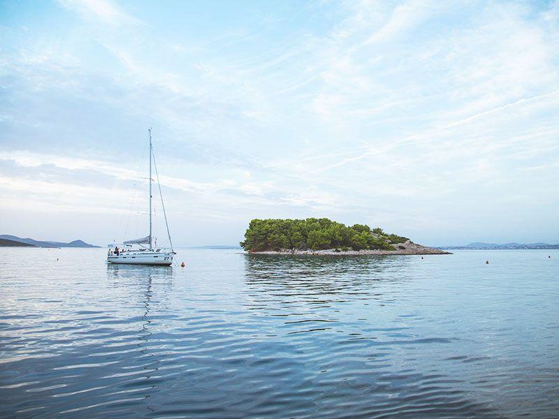 Sailboat charter Italy