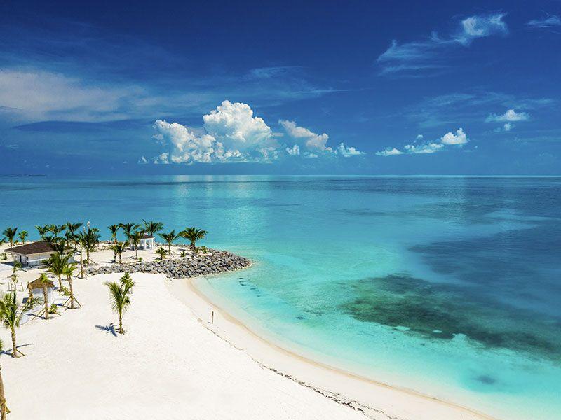 Sailing to the Bahamas