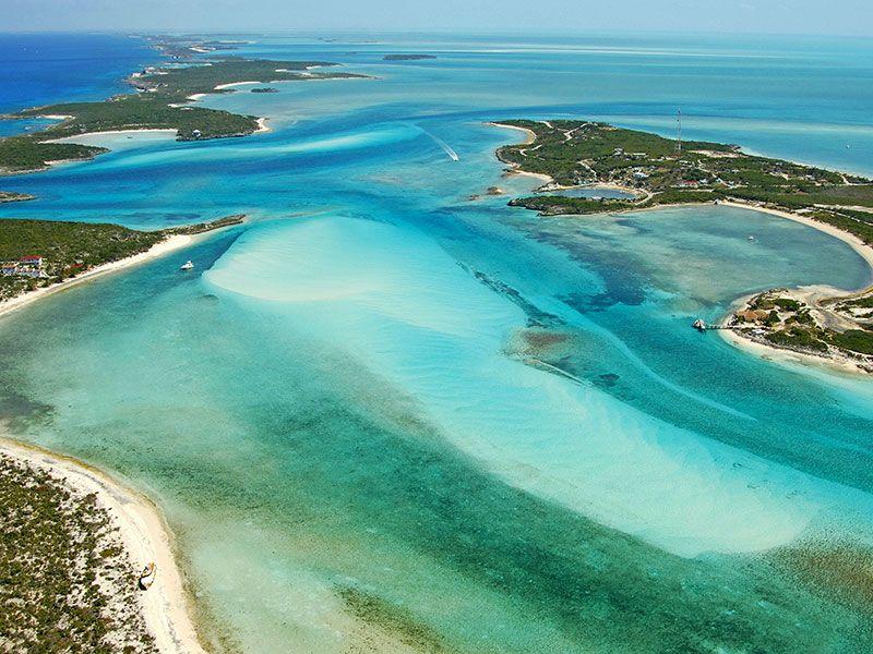 Coasts and bays in Exumas