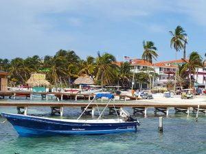 Sail in Ambergris Caye