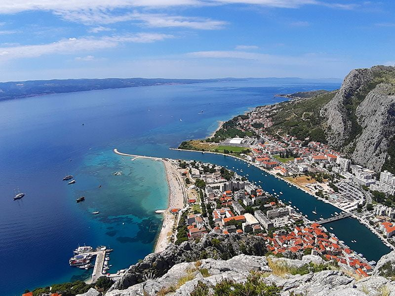 Sailing in Omis