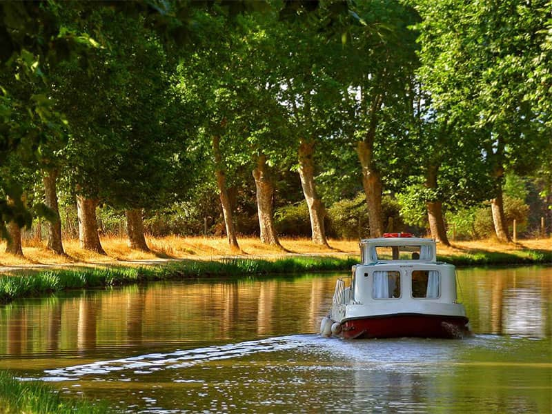 Boat tours in Canal du Midi