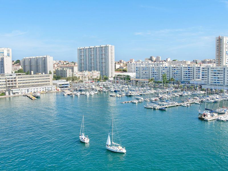 Sailing in Toulon